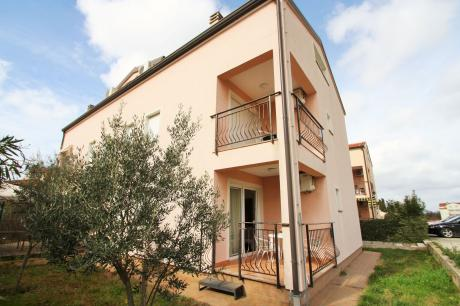 Apartment Complex Mendikovic / Spacious Two-Bedroo
