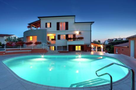 Apartment Complex Irena with Pool / One Bedroom Ap