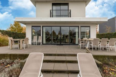 Villa Luxury Harderwijk 243